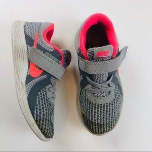 Nike revolution 4 toddler girls Velcro sneakers 10
